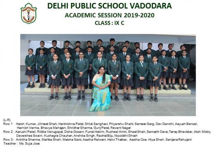 CLASS PHOTOGRAPHS - IX